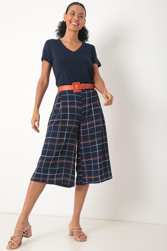 Blusa de malha decote v com bolso azul marinho