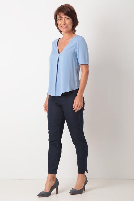 Blusa decote com prega viscose azul