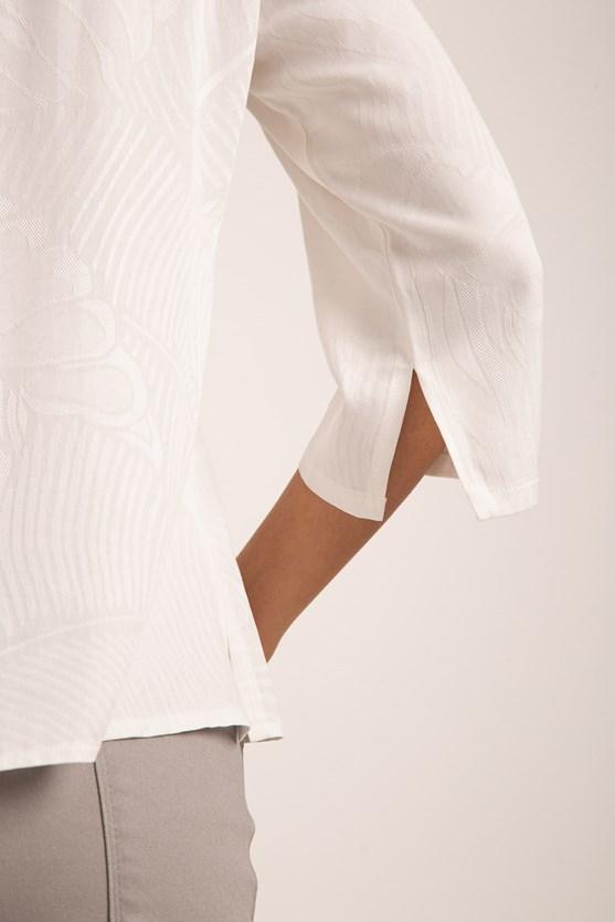 Blusa decote v com vivo viscose maquinetada off white