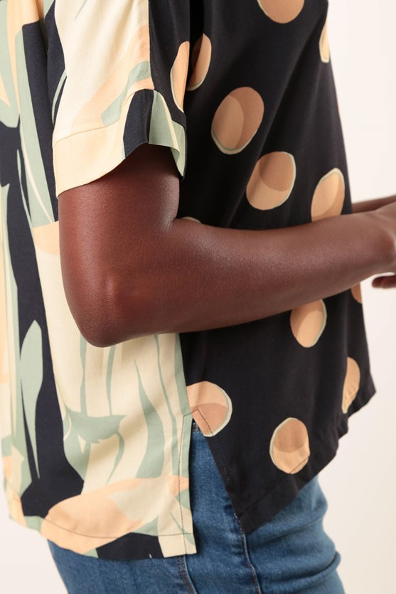 Blusa Decote V Recorte Viscose Pois Abstrato