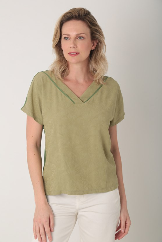 Blusa dois em um viscose maquinetada verde