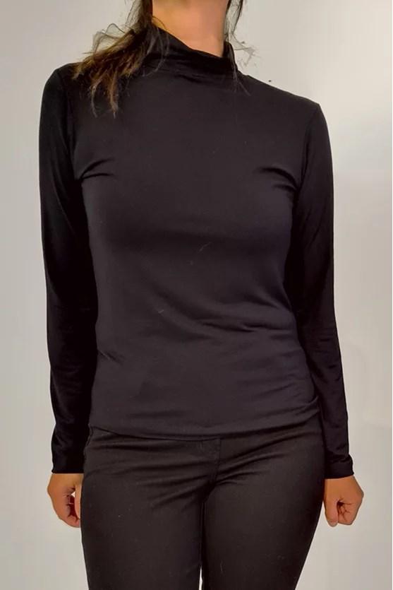 Blusa gola alta manga longa preto