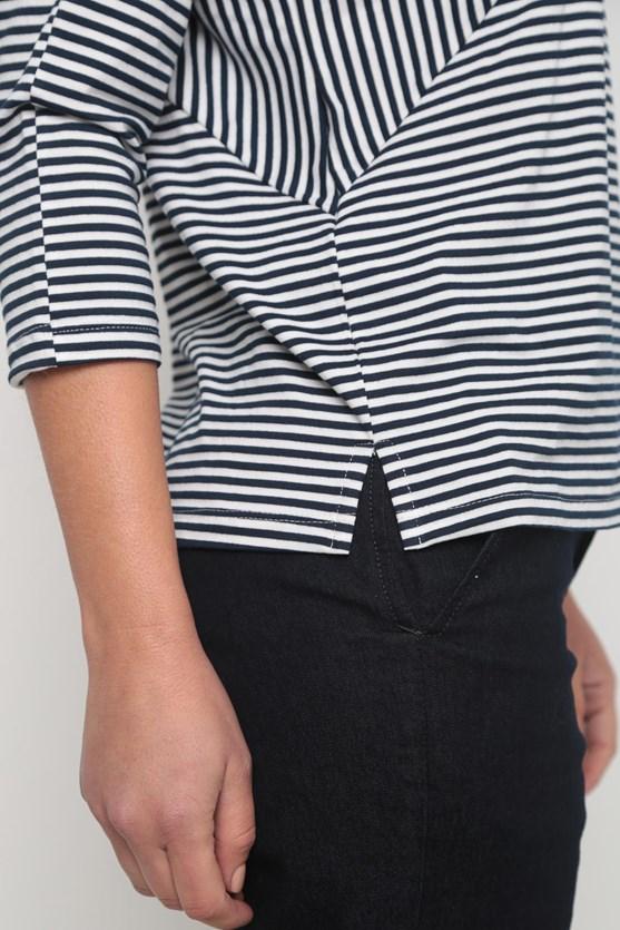 Blusa listrada recorte manga 3/4 azul marinho