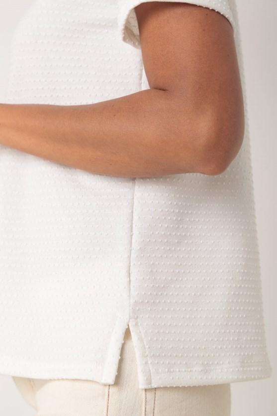 Blusa manga curta decote a fio off white