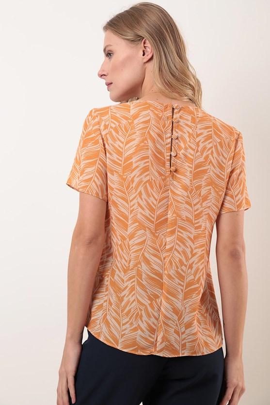 Blusa manga curta decote u crepe folhagem tropical am intenso