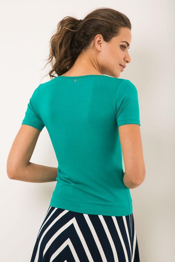 Blusa manga curta decote u  verde