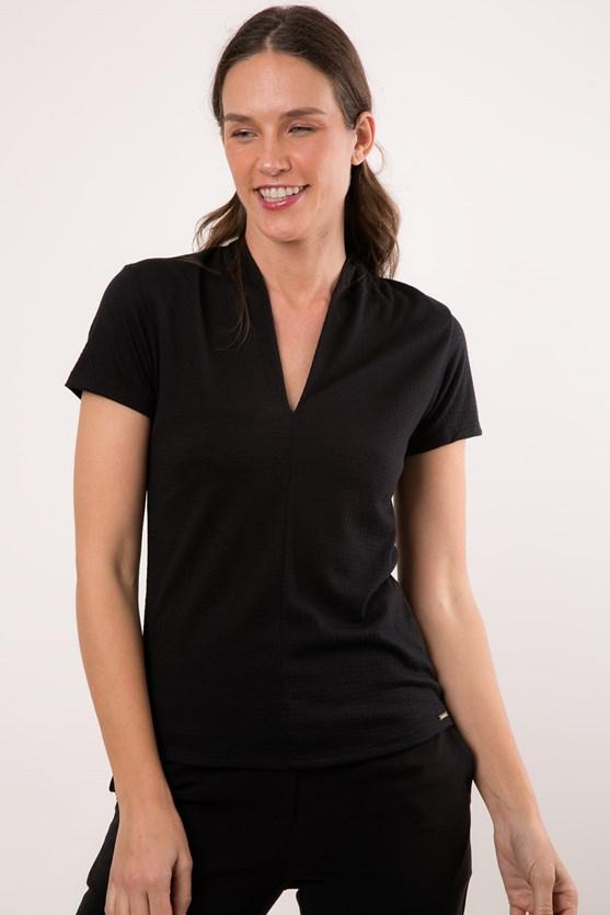 Blusa manga curta decote v malha texturizada preto