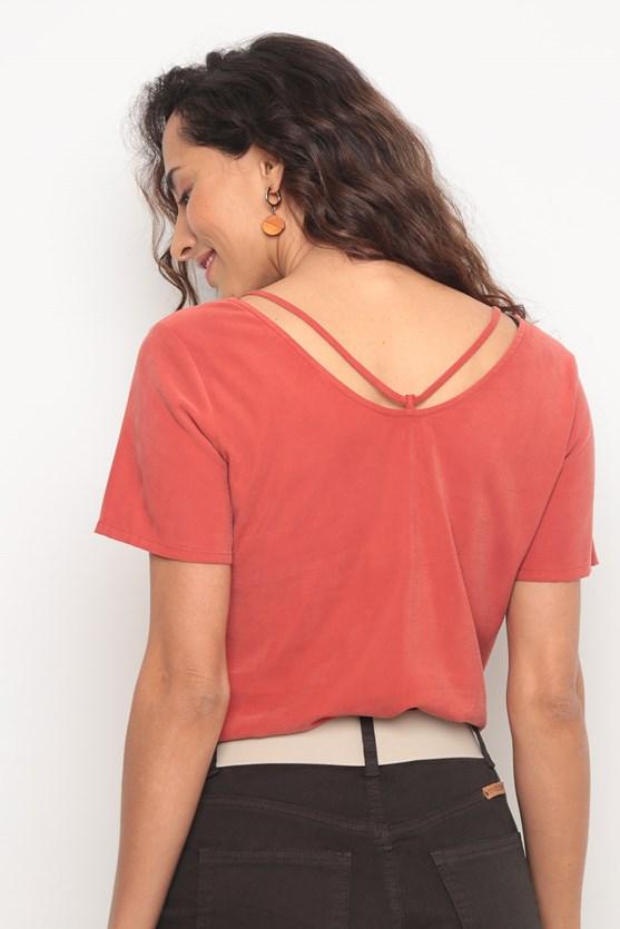Blusa manga curta detalhe cordão vermelho tijolo