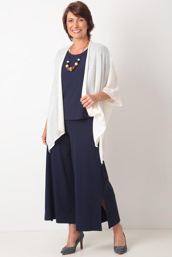 Blusa sem cava recortes a fio malha viscose  azul marinho