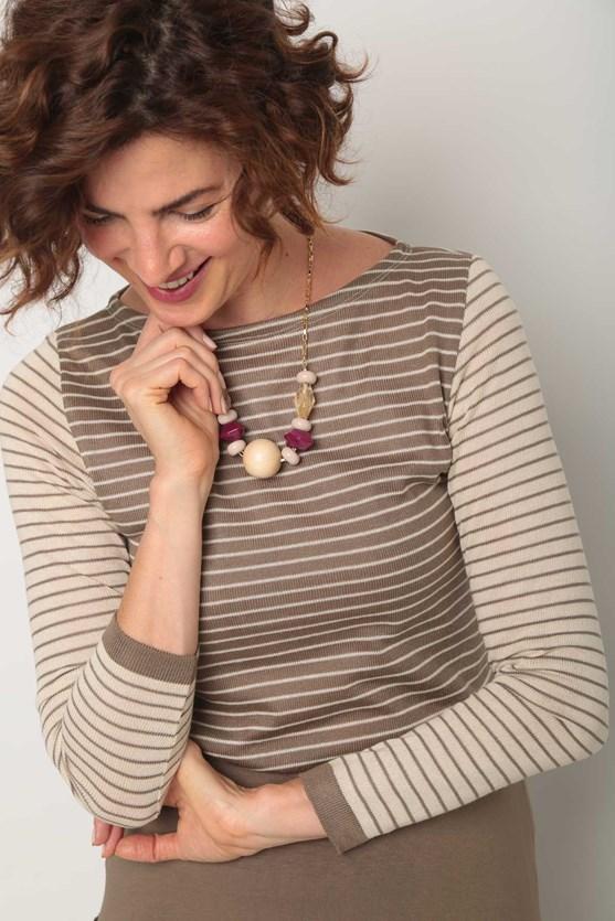 Blusa tricot listrada bege