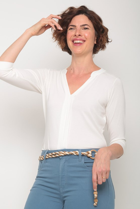 Blusa viscolycra manga 3/4 pregas centro off white