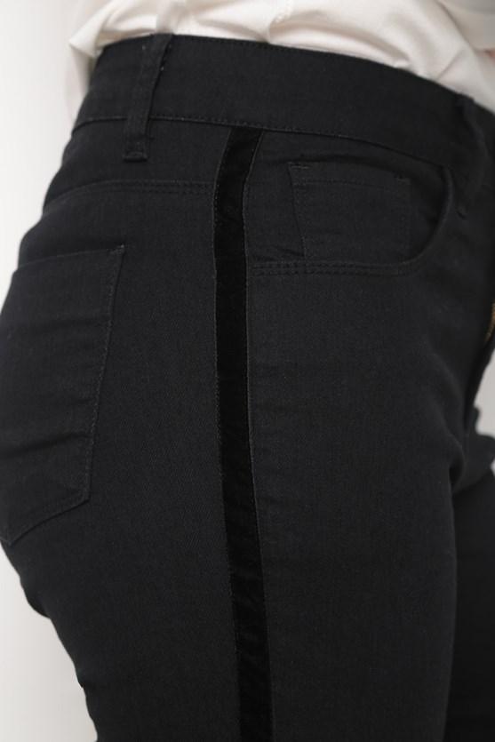 Calça jeans black reta detalhe veludo black