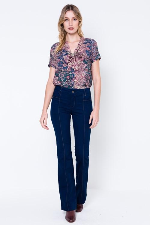 Calça Jeans Bootcut Recortes