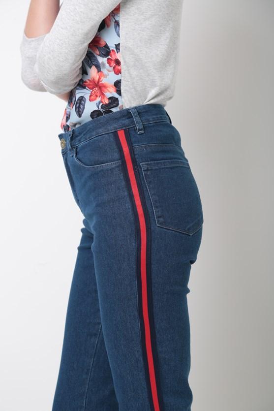 Calça Jeans Cigarrete Faixa Lateral