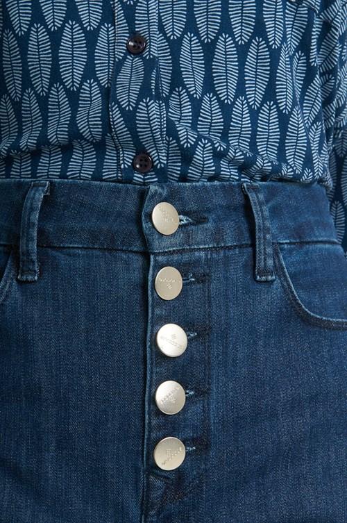 Calça Jeans Flare Fechamento Em Botões