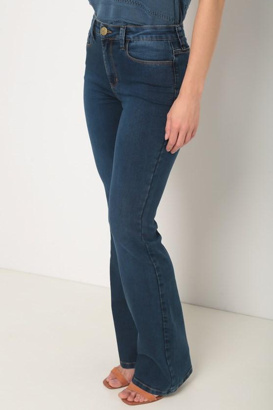 Calça jeans lavagem média boot cut média