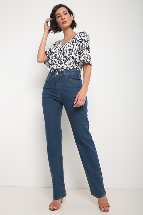 Calça jeans média reta média