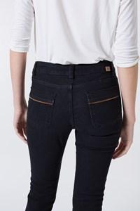 Calça Jeans Pedal com Suede