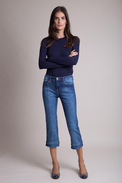 Calça Jeans Reta Confort Recorte Pernas