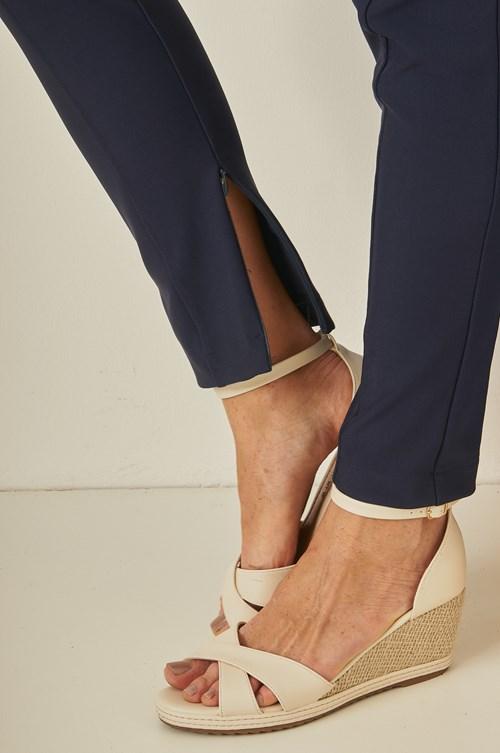 Calça Legging Com Zíper Na Barra