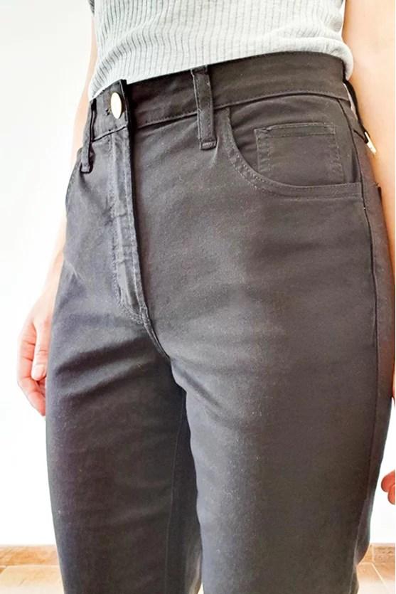 Calça reta cropped preto