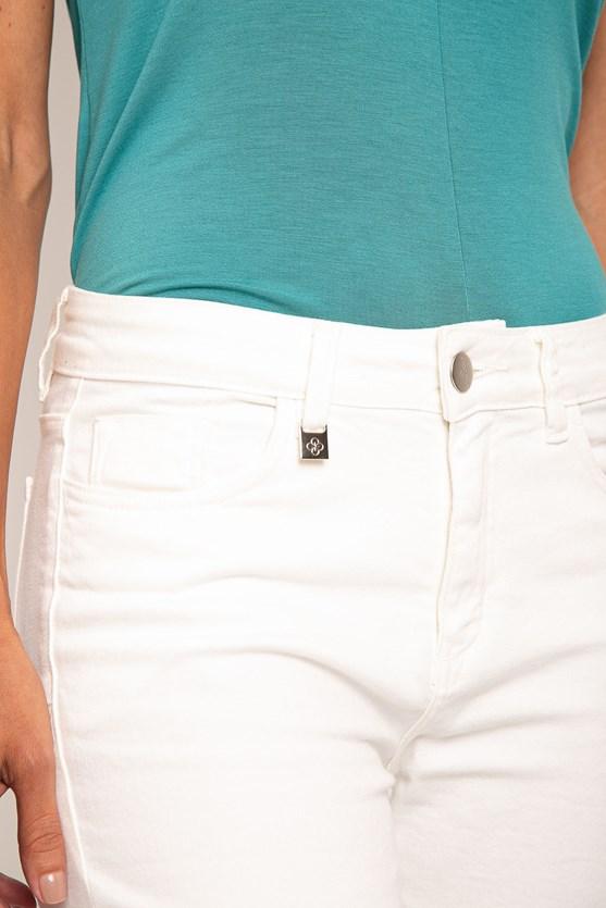 Calça sarja reta clássica cintura alta efeito redutor off white
