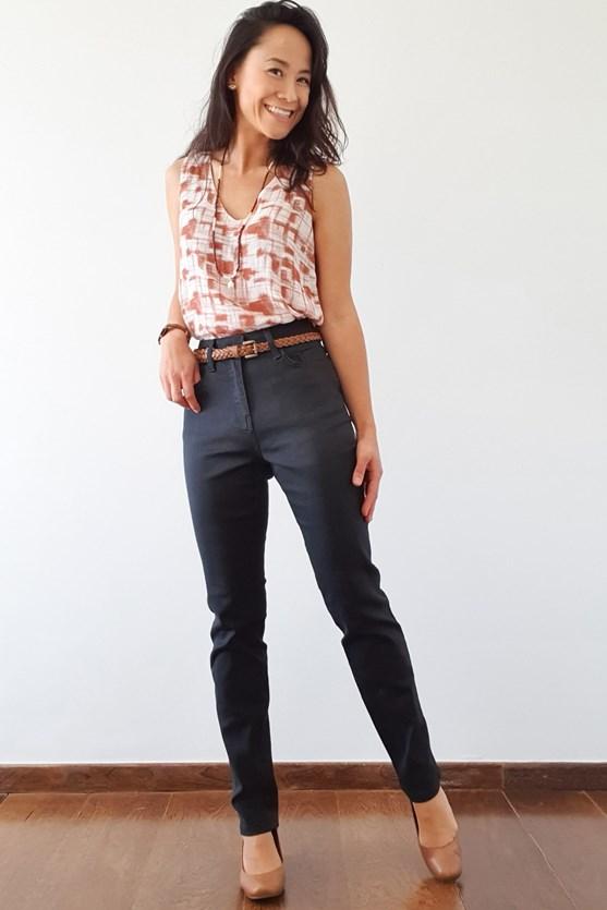Calça slim cropped cintura alta comfort preto