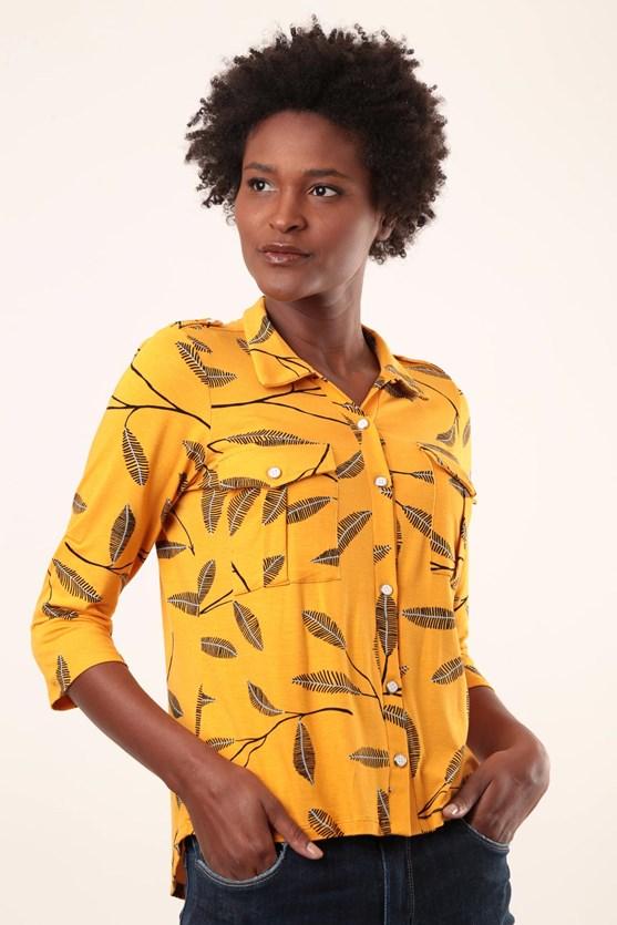 Camisa Bolsos Com Prega Viscolycra Folhas Rabiscos
