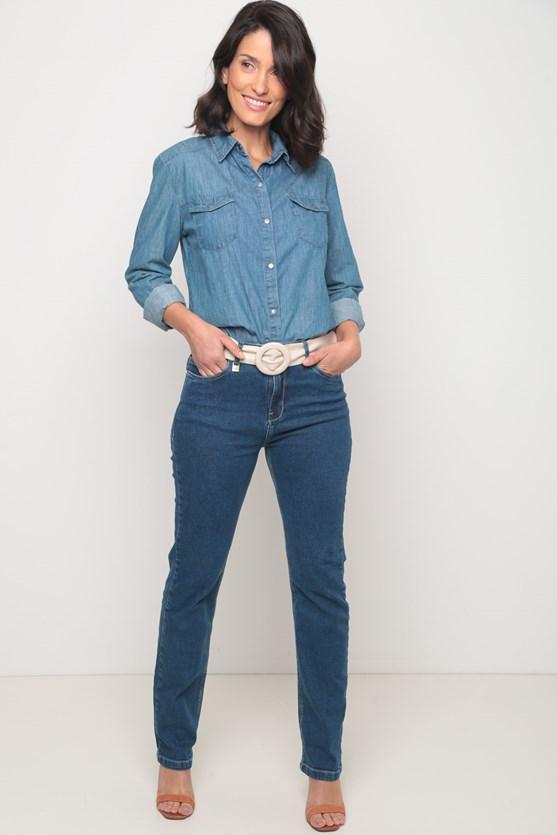 Camisa comfort com bolsos média