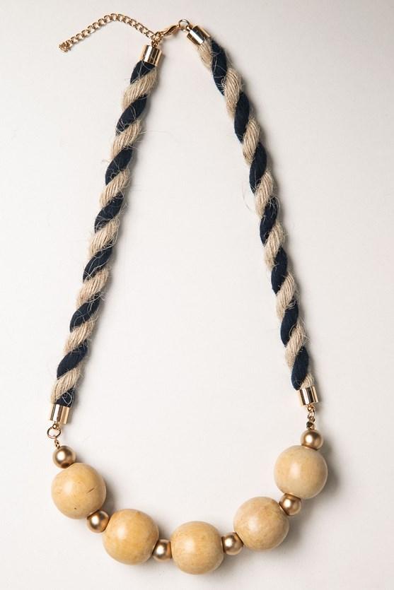 Colar corda e bolas rústicas bege