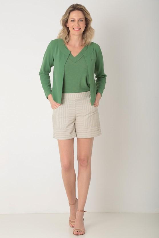 Shorts listrado com bolsos bege
