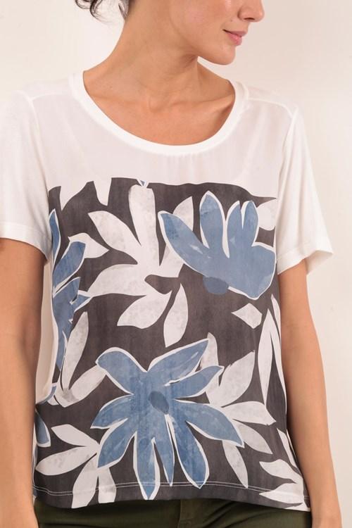 T-Shirt Decote U Manga Curta Flores