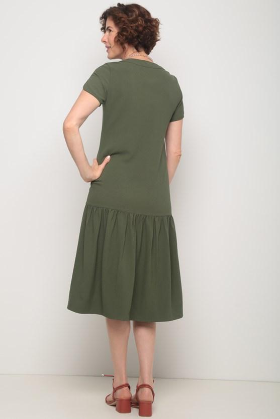 Vestido crepe midi babado barra verde