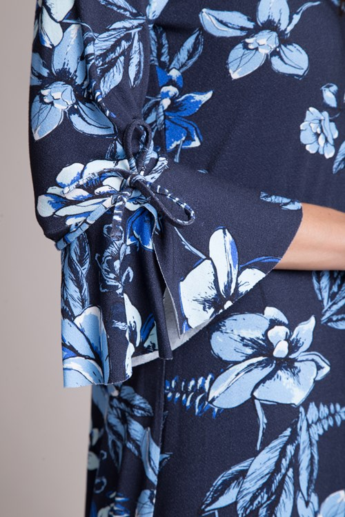 Vestido Curto Malha Trico Flores Azuladas