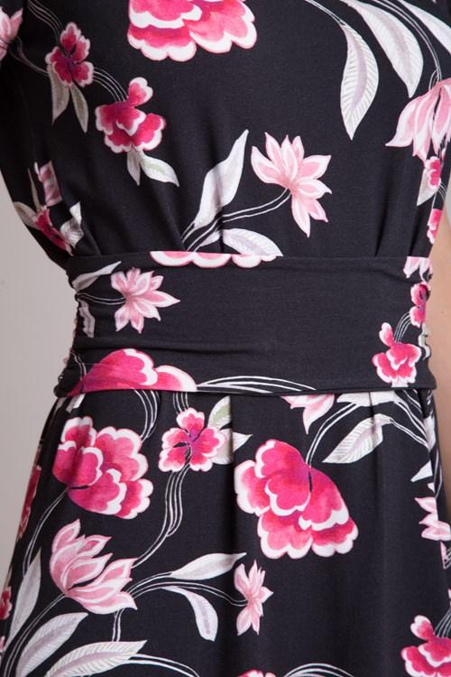 Vestido Curto Viscocrepe Flores E Folhas