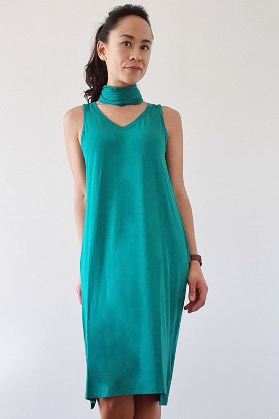 Vestido sem manga decote v verde